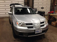 2005 Mitsubishi Outlander SUV, Crossover with new winter tires!
