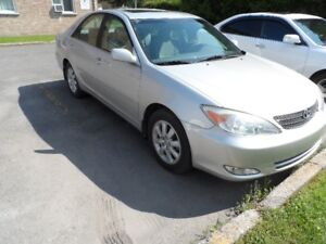 Toyota camry XLE 2004 (127,000 kl)