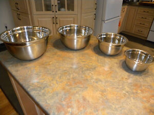 4 STAINLESS STEEL POTS  - 4 PLATS STAINLESS STEEL West Island Greater Montréal image 1