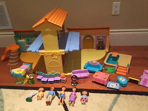 Dora House with furniture, characters and accessories