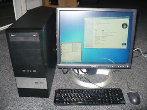 Desktop computer with 20 inch monitor in excellent condition.