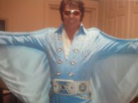 Elvis impersonator (Entertainer)