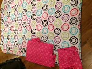 Girls bedding set for sale- single sized