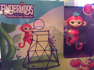 Fingerlings with Jungle Gym Playset