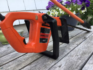 """18"""" Electric Hedge Trimmer"""
