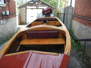 Classic Yellow Cedar-stripe and mahogany Beautiful 8 Passenger