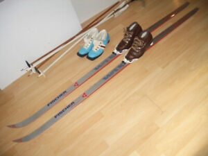 SET : skis cross country 190 cm + boots 6 - 7 - 8 US + poles
