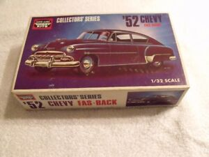 ANCIEN MODEL A COLLER CHEVY 1952