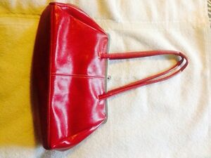 Leather Red purse Le Chateau
