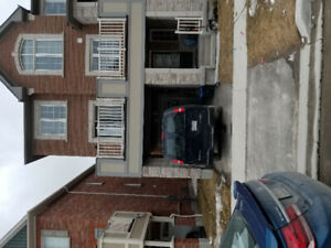 Town Home for rent in Pickering