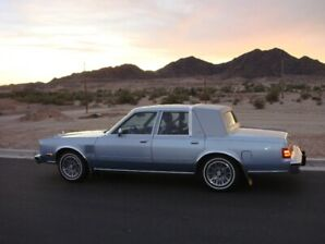 Near mint 1987 Chrysler fifth avenue