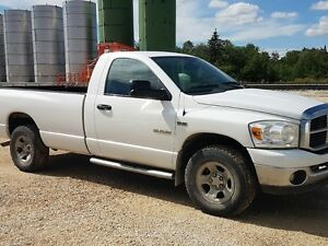2008 Dodge SLT 4x4 Reg Cab / Long box