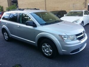 2009 Dodge Journey 7passagers 4 cylindres 2.4 litres,bluetooth