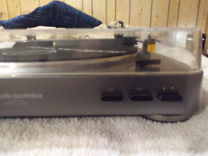 Audio technica lp 60 usb belt drive turn table with cartridge