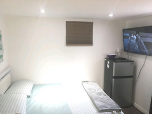 MAY 1ST ROOM FOR RENT AT EGLINTON AND DUFFERIN