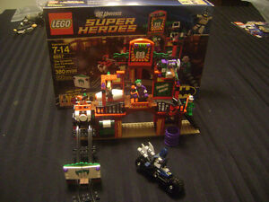 Lego 6857:The Dynamic Duo Funhouse Escape DC Super Heroes