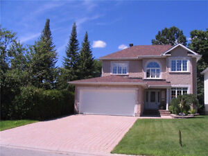 Very large home in east end of Ottawa (short term)