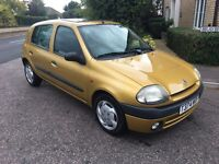 Renault Clio automatic genuine 30K miles 1 years mot