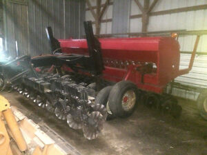 Case 5400 no till and case 5100 drill