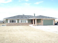 Beautiful Country House on acerage Okotoks for rent