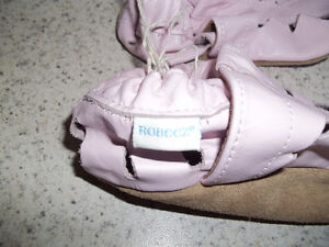 Robeez Girls Pink Shoes Located in Marmora Peterborough Peterborough Area image 2