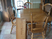 Dinning Table and 4 chairs  (  Sold Thanks Kijiji)