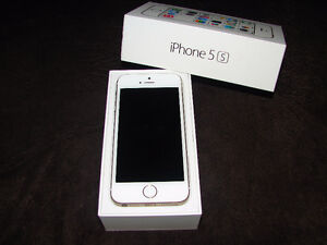 IPhone 5s GOLD 32 GB  $200