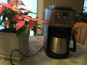 CUISINART Fully Automatic Grind & Brew Coffee Maker
