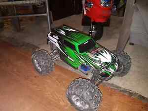 Traxxas summit for trade (mamba monster 2) 1/10 scale