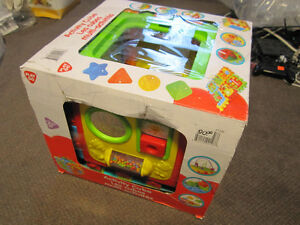 Playgo Activity Cube - New, in opened Box, Carry Handle Missing