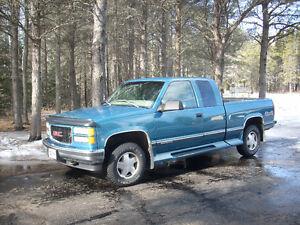 1998 GMC Sierra 1500 SLE Pickup Truck