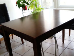 SOLID WOOD EXPANDABLE TABLE