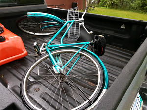 Cruiser bike classic ride with fender and sweet comfortable seat