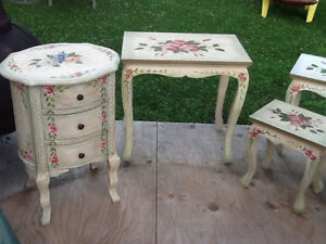 Set of 4 nesting tables  & accent round tower with DRAWERS REDUC Kingston Kingston Area image 4