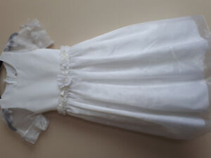 FIRST COMMUNION/FLOWER GIRL DRESSES $20 EACH