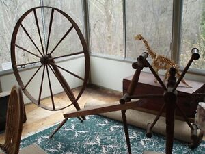 ANTIQUE SPINNING WHEEL AND SPINDAL London Ontario image 1