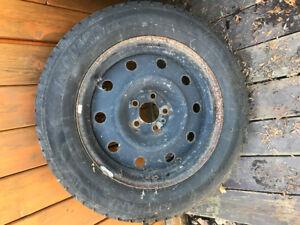 4 Roues et pneus d'hiver Dodge Magnum