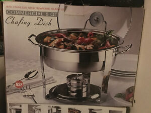 In box. 4 chaffing dishes 20 each