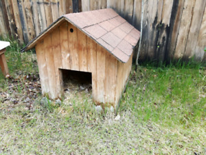 Dog houses to give away