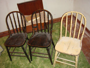 Old Wood Antique Spindle Chairs. Childrens chairs ?