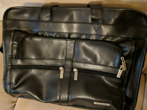 BUXTON BRIEF CASE LIKE NEW!
