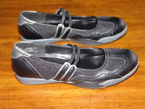 Women's Black Flats - Size 6.5