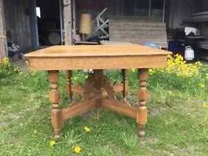 Table de cuisine en bois - ANTIQUE (Restaurée) - PRIX RÉVISÉ
