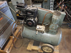 5 HP BRIGGS AND STRATON PORTABLE GAS POWERED AIR COMPRESSOR