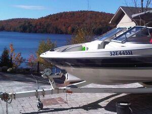 Bayliner capri 16' boat 1997 with wake tower pole