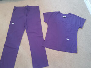 Scrubs (EXCELLENT CONDITION!) Women's Size 4/ 6