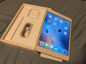 Apple iPad mini 2 16gb white/silver as new barely used in box