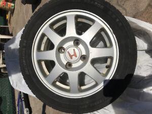 4 pneus d'été  avec mag P195/55 R15