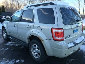2008 Ford Escape Limited (the Luxury model) Cornwall Ontario image 4