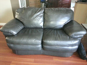 DURABLEND LOVESEAT (ONLY) - GREAT AND VERY CLEAN CONDITION